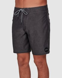 0 VA Trunk 17 Inch BoardShort Black R192407 RVCA