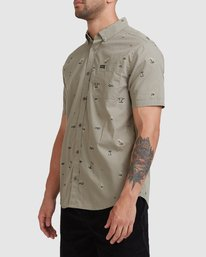 1 Tropicalia Short Sleeve Shirt Green R315185 RVCA