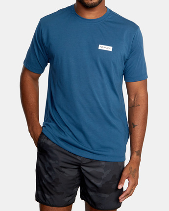 2 ICON SHORT SLEEVE PERFORMANCE TEE Blue AVYZT00184 RVCA