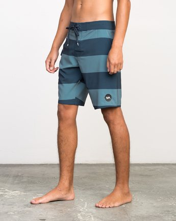 2 UNCIVIL STRIPE TRUNK  H1BSRDRVP8 RVCA