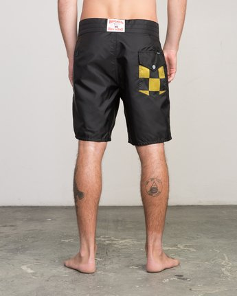 "6 Birdwell Point Panic 18"" Boardshort Black M102PRPP RVCA"