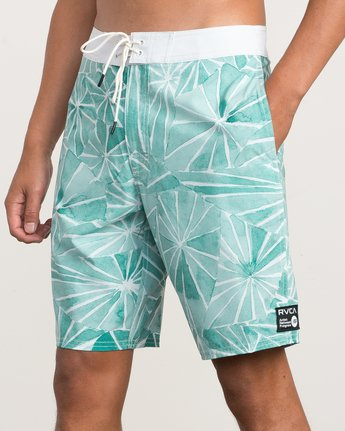 "7 Blade Printed 20"" Boardshort Green M105QRBL RVCA"