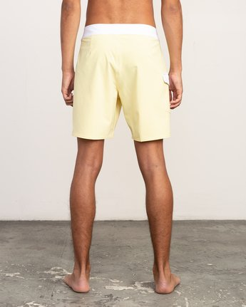 "4 Higgins 17"" Boardshort Yellow M159TRHI RVCA"