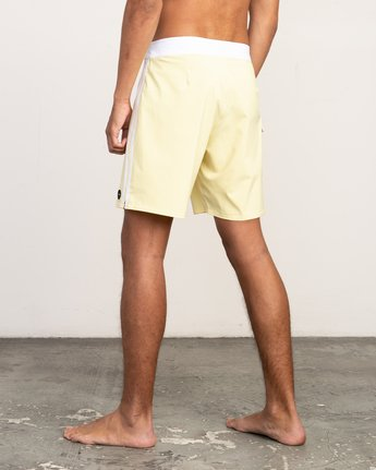 "3 Higgins 17"" Boardshort Yellow M159TRHI RVCA"