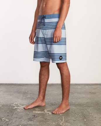 "2 Uncivil Stripe 20"" Boardshort Blue M164TRUN RVCA"