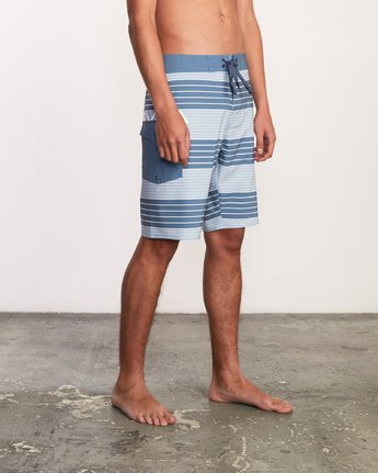 "5 Uncivil Stripe 20"" Boardshort Red M164TRUN RVCA"