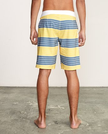 "4 Uncivil Stripe 20"" Boardshort Yellow M164TRUN RVCA"