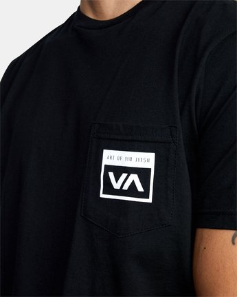 3 Art of Jiu Jitsu Brand Box TEE Black M412VRAB RVCA