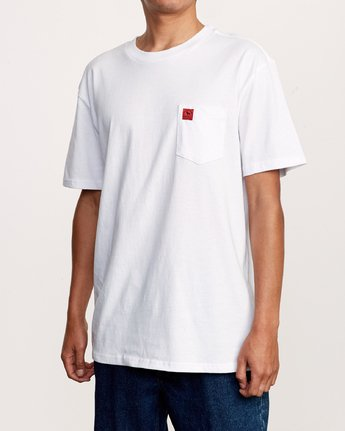 2 Smith Street Wicks Pocket TEE White M414VRWI RVCA