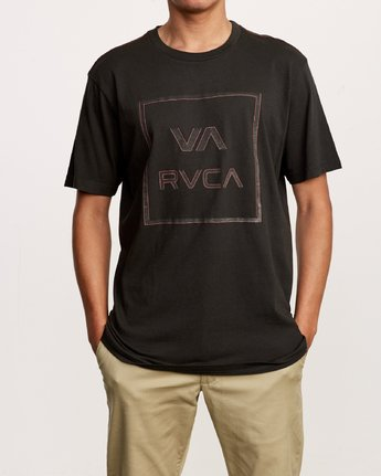 1 Unregistered T-Shirt Black M430VRUN RVCA