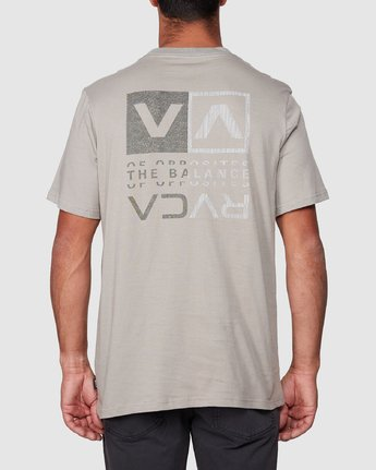 3 RVCA Split Short Sleeve Tee Multicolor R107045 RVCA