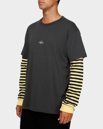 2 VA Lay Low Long Sleeve Tee Black R191093 RVCA