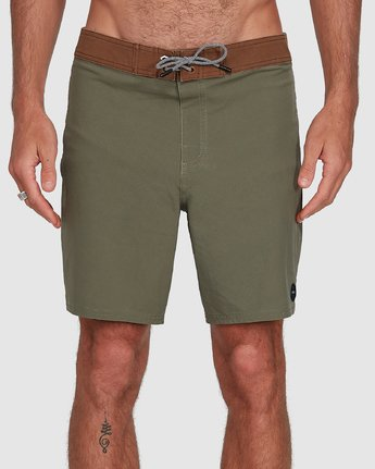 3 Va Trunk 17 Inch Short Green R192407 RVCA