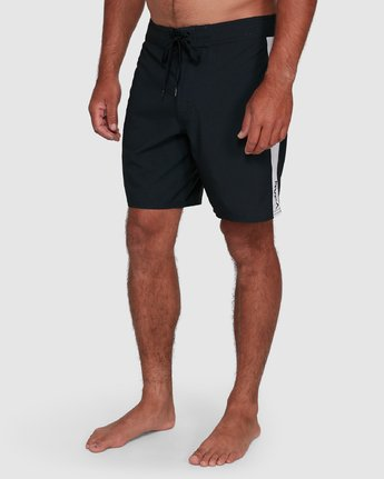 7 Apex Trunk Black R305402 RVCA