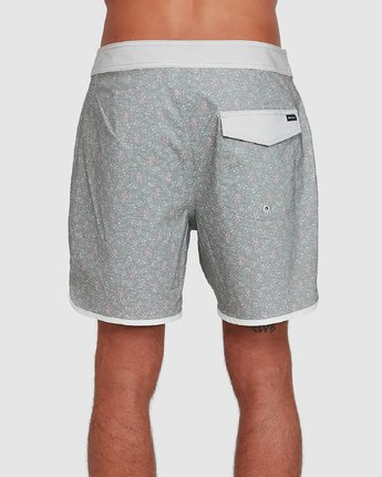 2 Freeport Boardshorts Green R308402 RVCA