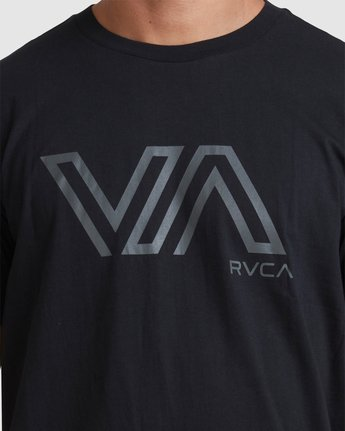 3 STENCIL VA SHORT SLEEVE TEE Black R317087 RVCA