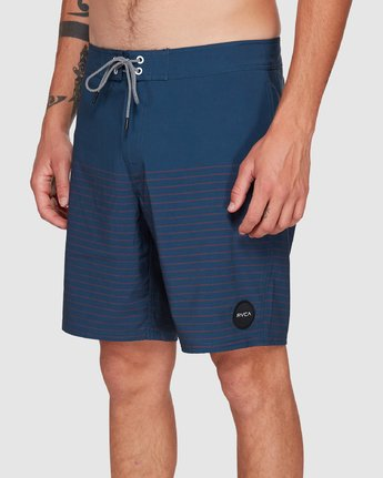 7 CURREN TRUNK Blue R383411 RVCA