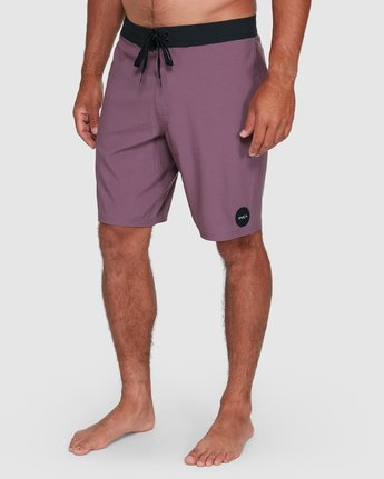 "8 VA SOLID 19"" BOARDSHORT Red R393407 RVCA"