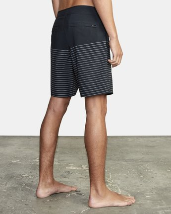 "4 Curren Trunk 18"" - Striped Board Shorts for Men Black S1BSRCRVP0 RVCA"