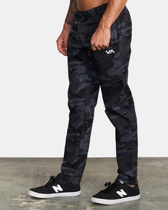 1 Spectrum III - Elasticated Trousers for Men Camo S4PTMDRVP0 RVCA