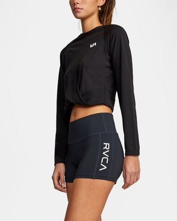9 VA Fitted Short Black TQ51QRSH RVCA