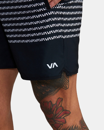 "12 YOGGER STRETCH ATHLETIC SHORTS 17"" Black V201TRYS RVCA"