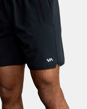 "7 YOGGER STRETCH ATHLETIC SHORTS 17"" Black V201TRYS RVCA"