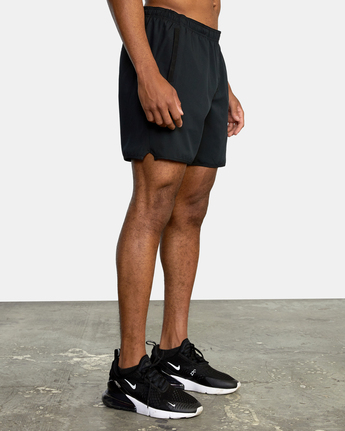 "9 YOGGER STRETCH ATHLETIC SHORTS 17"" Black V201TRYS RVCA"