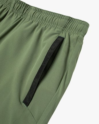 "6 YOGGER STRETCH ATHLETIC SHORTS 17"" Green V201TRYS RVCA"