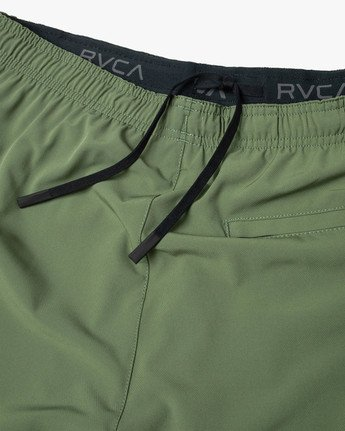 "8 YOGGER STRETCH ATHLETIC SHORTS 17"" Green V201TRYS RVCA"
