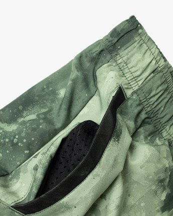 "13 YOGGER IV Recycled 17"" WORKOUT SHORT Green V2091YGR RVCA"