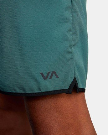 "8 YOGGER IV ATHLETIC SHORTS 17"" Green V2091YGR RVCA"