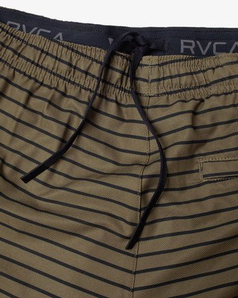 "19 YOGGER STRETCH ATHLETIC SHORTS 17"" Green V2103RYS RVCA"