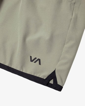 "15 YOGGER STRETCH ATHLETIC SHORTS 17"" Multicolor V2103RYS RVCA"