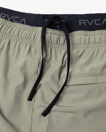 "18 YOGGER STRETCH ATHLETIC SHORTS 17"" Multicolor V2103RYS RVCA"