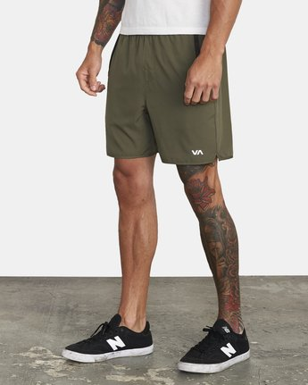 "2 YOGGER IV 17"" WORKOUT SHORT Green V2133RYG RVCA"