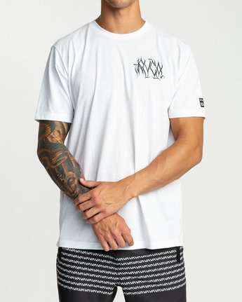 3 Defer Chest Performance T-Shirt White V404UREF RVCA