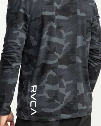 5 VA Vent Long Sleeve Top Camo V903QRVL RVCA