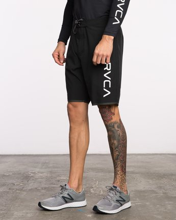 2 Staff III Dual Layer Short Black VL206STF RVCA