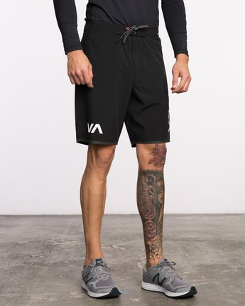 6 Staff III Dual Layer Short Black VL206STF RVCA