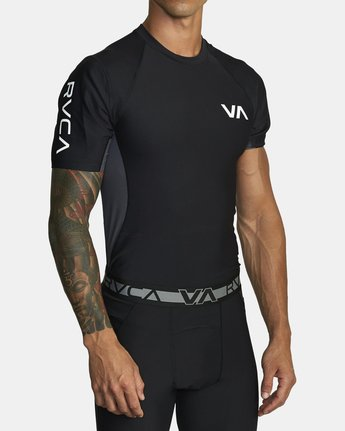 3 COMPRESSION SHORT SLEEVE TOP Black VR021RCS RVCA