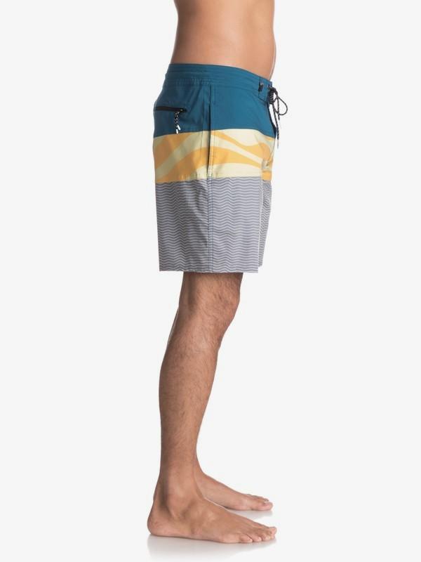"""Heatwave Blocked 18"""" - Beachshorts for Men  EQYBS03771"""