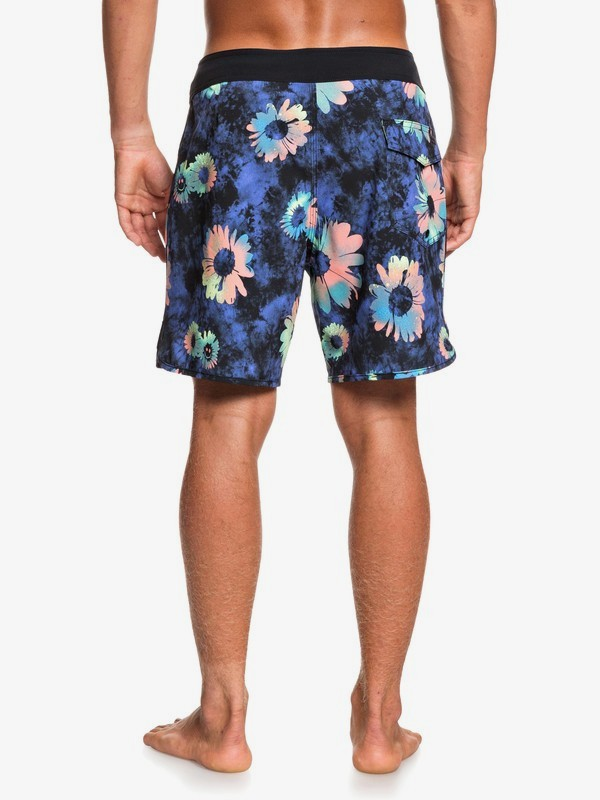 "Highline Sprayed Daisy 17"" - Board Shorts  EQYBS04329"