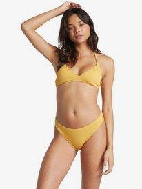 bikini top und kurzen rock